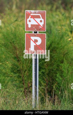 Sign indicating no cars and no parking - Stock Photo
