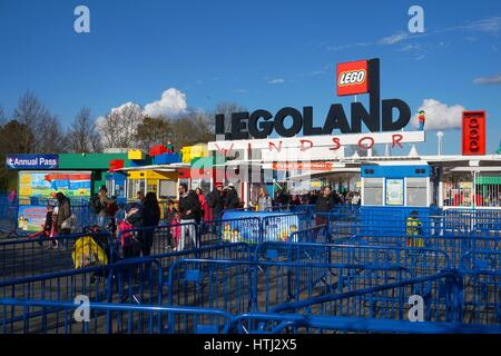 LEGOLAND, WINDSOR, UK - APRIL 30, 2016: Guests leaving Legoland after an exciting fun day out - Stock Photo