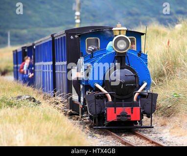 'Sherpa' heads towards Penrhyn Point on the Fairbourne Railway  Fairbourne Railway, Fairbourne, Wales, Europe - Stock Photo