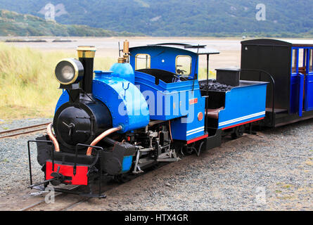 'Sherpa'  0-4-0 saddletank engine idles at Penrhyn Point on the Fairbourne Railway, Fairbourne, Wales, Europe  Fairbourne - Stock Photo