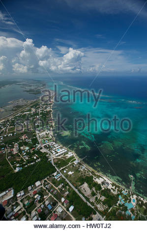 The town of San Pedro, a tourist and scuba diving mecca on the southern end of Ambergris Caye. - Stock Photo
