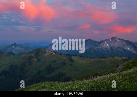 Looking back towards White Pass in the Glacier Peak Wilderness at sunset. Washington, USA. - Stock Photo
