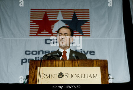 Presidential candidate Pat Buchanan addresses the National Conservative Political Action Conference in the main - Stock Photo