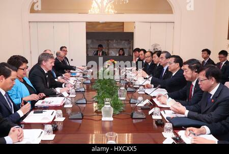Wellington, New Zealand. 27th Mar, 2017. Chinese Premier Li Keqiang (3rd R) and his New Zealand's counterpart Bill - Stock Photo