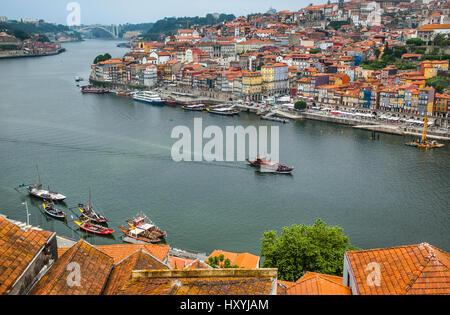 Portugal, Region Norte, Porto, view across Douro River from Vila Nova de Gaia to the historical center of Porto - Stock Photo