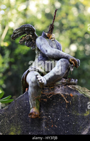 Headless angel's figure on the Ohlsdorfer cemetery in Hamburg, Germany, Kopflose Engelsfigur auf dem Ohlsdorfer - Stock Photo