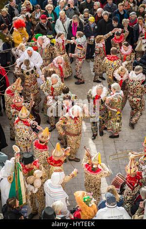 Dance Ausseer Flinserl, people in costume, Flinserlmusikanten, musicians, instruments, Bad Aussee, Styria, Austria - Stock Photo