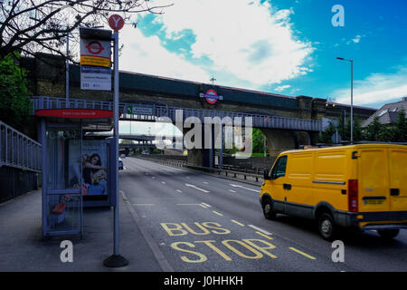 Brent Cross station access - Stock Photo