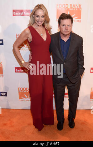 New York, NY, USA. 19th Apr, 2017. Tracy Pollan and Michael J. Fox attend the Food Bank for New York City Can Do - Stock Photo