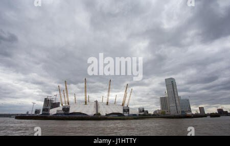 General View GV of the O2 Arena (former Millennium Dome), Peninsula Square, London SE10 0DX as seen from the river - Stock Photo