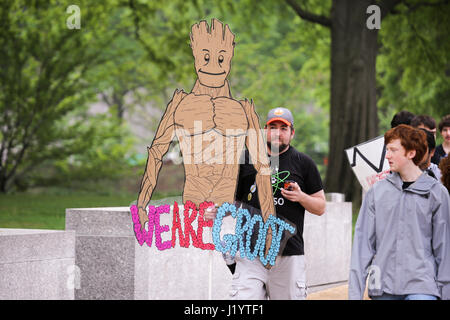 Washington DC, USA. 22nd April, 2017. Activists and protesters march to the United States Capitol as part of the - Stock Photo