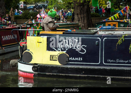 London, UK, 29 April 2017 Canal boat cavalcade at Little Venice on the Grand Union canal. - Stock Photo