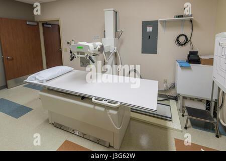 X Ray X-ray Equipment In Hospital - Stock Photo
