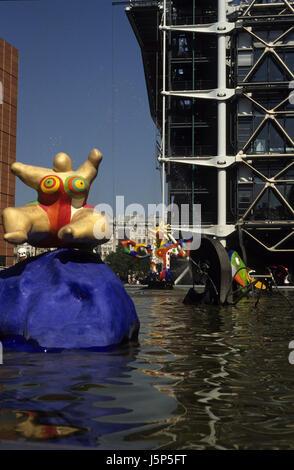 paris fontaine stravinsky - Stock Photo