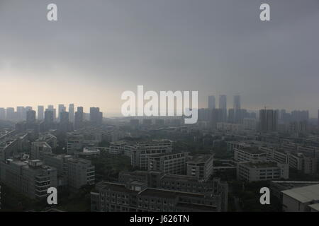 Xiamen, China. 18th May, 2017. Clouds cover the sky before typhoon arrives in Xiamen, southeast China's Fujian Province, - Stock Photo