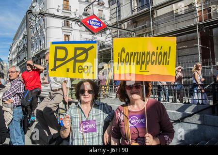 Madrid, Spain. 20th May, 2017. Demonstration in Madrid against the government of Popualr party onthe streets Credit: - Stock Photo