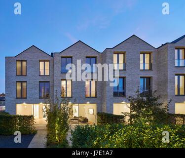 New build terrace from garden at dusk. Paradise Gardens, London, United Kingdom. Architect: Lifschutz Davidson Sandilands, - Stock Photo