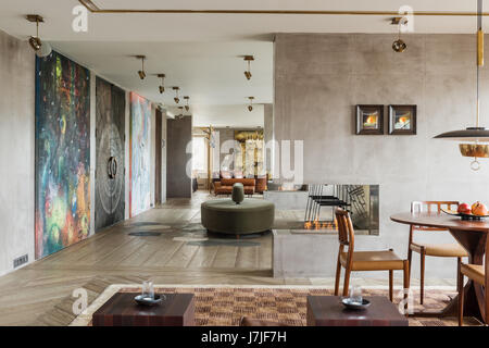 30 metre living space with structural half walls in Istanbul apartment - Stock Photo