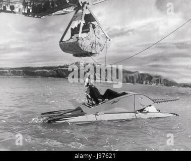 BARNACLE BILL UK 1957 Charles Frend Scene with ALEC GUINNESS (William Horatio Ambrose) Regie: Charles Frend - Stock Photo