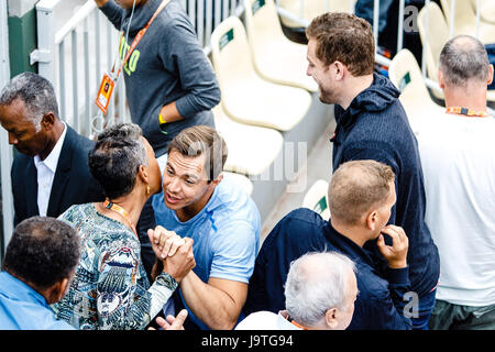 Paris, France, June 3rd 2017: US-Basketball-Pro David Lee during the 3rd round match of danish player Caroline Wozniacki - Stock Photo