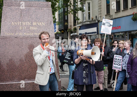 Cardiff, UK. 10th June, 2017. Calling for Conservative Prime Minister Theresa May to resign, in conjunction with - Stock Photo