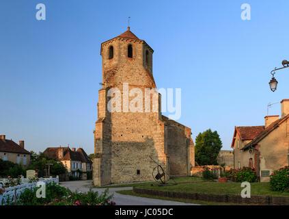 France, Allier (03), Verneuil-en-Bourbonnais, l'église Saint-Pierre // France, Allier, Verneuil en Bourbonnais, - Stock Photo