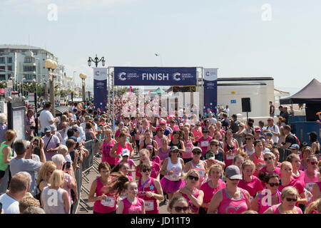 Worthing, UK, 18th June 2017. Cancer Research UK Worthing 5K Race for Life, Credit Ian Stewart/Alamy Live News - Stock Photo