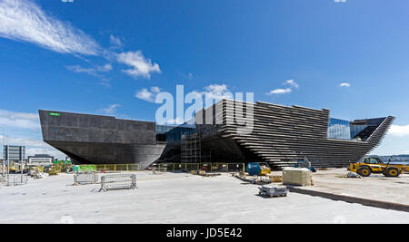 Progress in building the V&A Museum of Design at the waterfront by the Firth of Tay Dundee Tayside Scotland UK - Stock Photo
