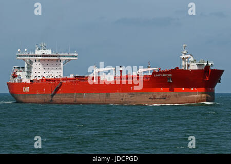 The shuttle tanker Elisabeth passing Maasvkate on the way to the port of Rotterdam. - Stock Photo