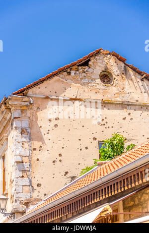 Damage to buildings in Mostar from the war in 1993 - Stock Photo