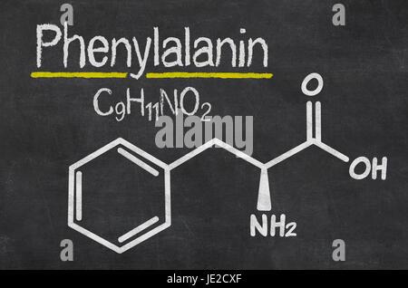 Schiefertafel mit der chemischen Formel von Phenylalanin - Stock Photo