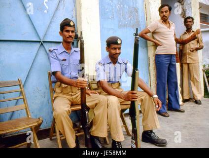 Reportage Bangla Desh 1980. Dhaka, Bangladesh soldiers - Stock Photo