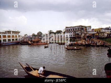 Reportage Bangla Desh 1980. Dhaka, life in the Ganges river - Stock Photo