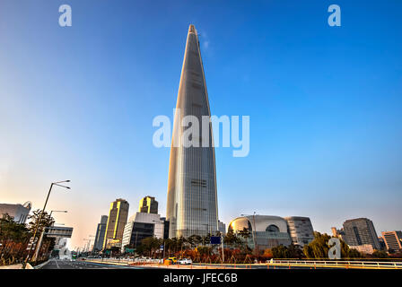 The tallest building in Seoul, South Korea - Stock Photo