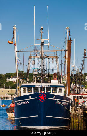 USA, Massachusetts, Cape Ann, Gloucester, waterfront - Stock Photo