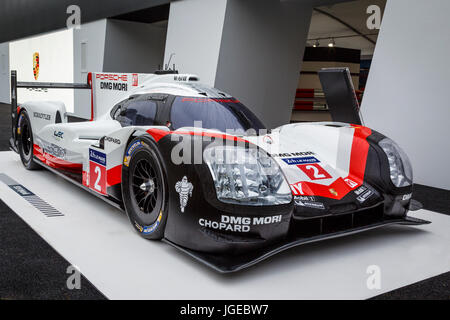 Porsche 919 Hybrid LMP1 Le Mans race winner on display at the 2017 Goodwood Festival of Speed, Sussex, UK. - Stock Photo
