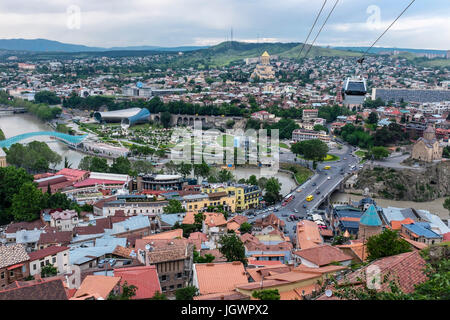 Tbilisi, Georgia, Eastern Europe - Cable Cars aerial tramway operating from Narikala Fortress to Rike Park over - Stock Photo
