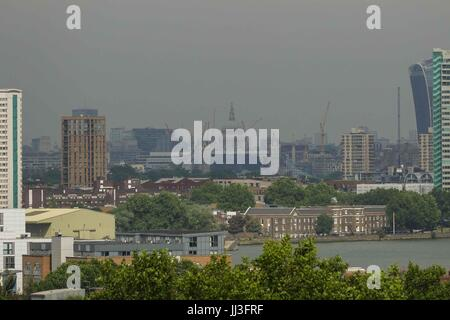 London, UK  18th July 2017. View of St Paul's Cathedral from Greenwich Park. Tempertures expected to reach 25 celsius - Stock Photo