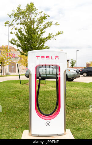 480 Volt Tesla Charging Station for Tesla mlodel S, X and 3 located in West Oklahoma City, near Reno & Council roads.Oklahoma, - Stock Photo