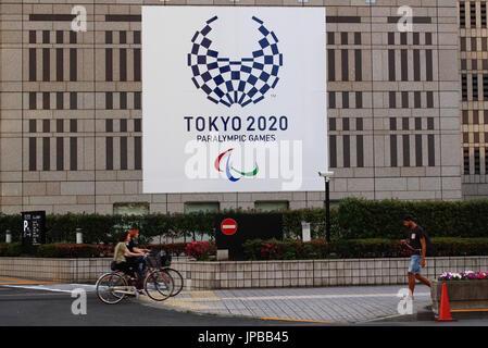 The 2020 Tokyo Paralympics logo on the facade of the Kenzo Tange-designed Tokyo Metropolitan Government Building. - Stock Photo
