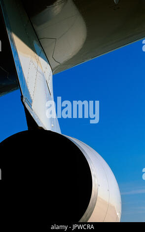 Rolls-Royce Trent 772B-60 engine-exhaust and engine-pylon on the wing of a Gulf Air Airbus A330-200 - Stock Photo