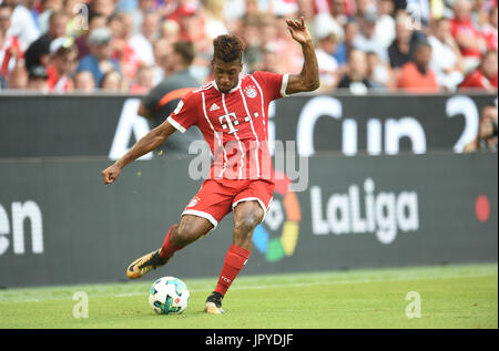 Munich, Germany. 2nd Aug, 2017. Munich's Kingsley Coman passes the ball during the Audi Cup soccer match between - Stock Photo