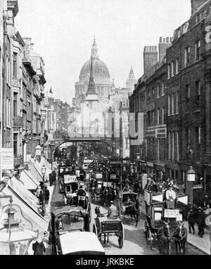 Horse-drawn traffic in London's Fleet Street (Looking towards st Paul's Cathedral in 1906 - Stock Photo