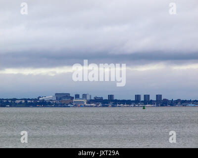 Southend on sea, Essex as seen from Sheerness, Kent. 17 August, 2017. UK Weather:  large grey clouds loom over Southend. - Stock Photo