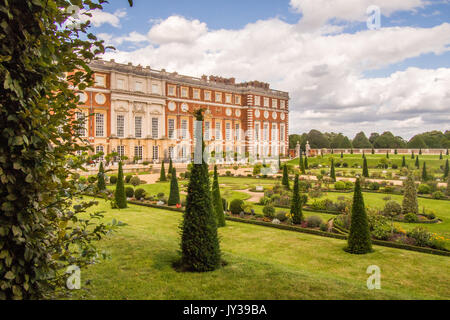 Hampton Court Palace with the Privy Garden in front, Richmond on Thames, London, England. - Stock Photo