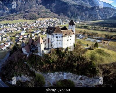 Luftaufnahme der Burg Gutenberg in Balzers im Fürstentum Liechtenstein *** Local Caption *** Castle Gutenberg, Lichtenstein, - Stock Photo