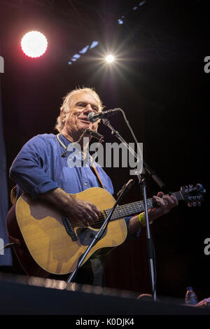Ralph Mctell performing at the Weyfest music festival, The Rural Life Centre, Tilford, Surrey, England, August 19, - Stock Photo