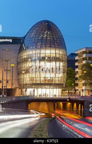 Weltstadthaus (global city building) of Renzo Piano, Cologne, North Rhine-Westphalia, Germany - Stock Photo