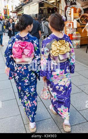 Japan, Hoshu, Tokyo, Asakusa, Girls in Kimono - Stock Photo