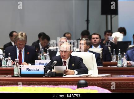 Xiamen, China's Fujian Province. 5th Sep, 2017. Russian President Vladimir Putin speaks at the Dialogue of Emerging - Stock Photo